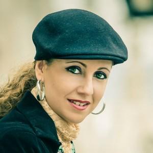 Laura de los Angeles... Contrato Discogracico El Callejón Del Agua